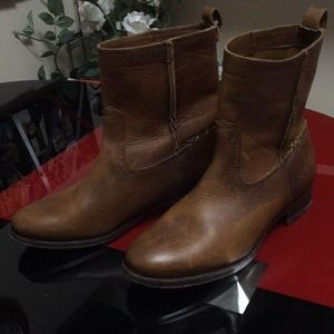 Frye boots, size 9.5, new